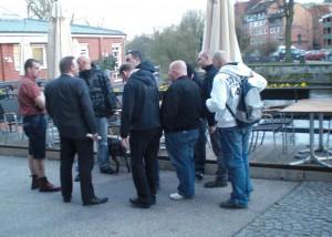 Nazis vor dem Hotel Bergström